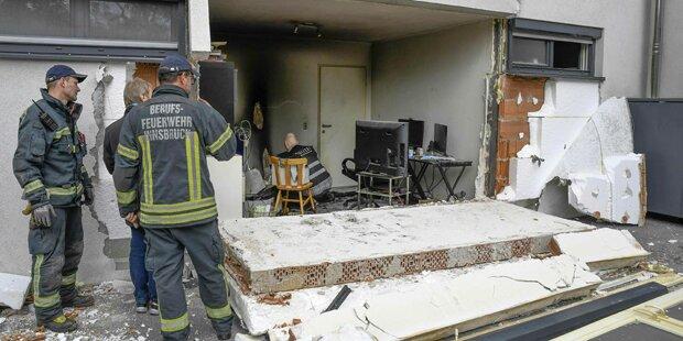 Spraydosen und Zigarette ließen Wohnung explodieren