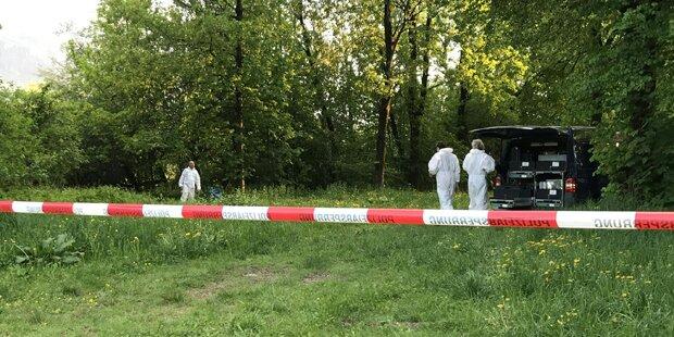 Leiche am Fußballplatz: Bekannter festgenommen