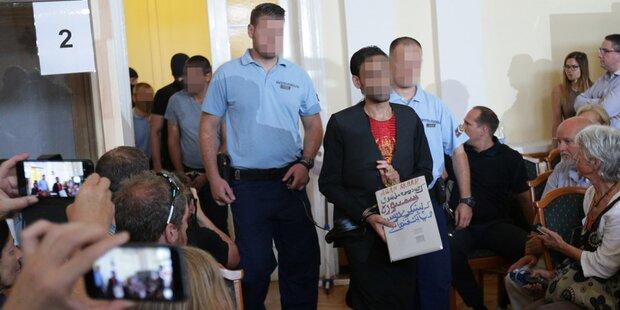 A4-Drama: Die Beschuldigten im Schlepper-Prozess