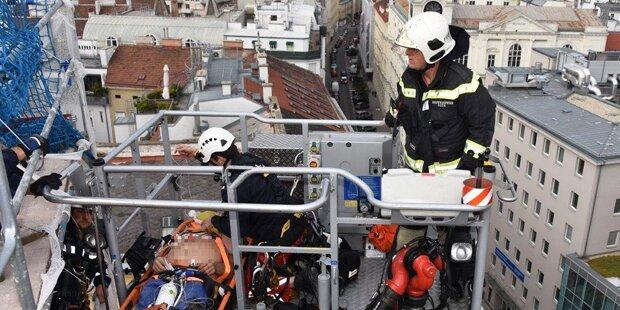 Notfall auf Dach der Wiener Roßauer Kaserne