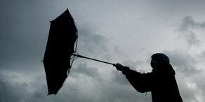 Orkan: Sturmtief Uwe nimmt fahrt auf