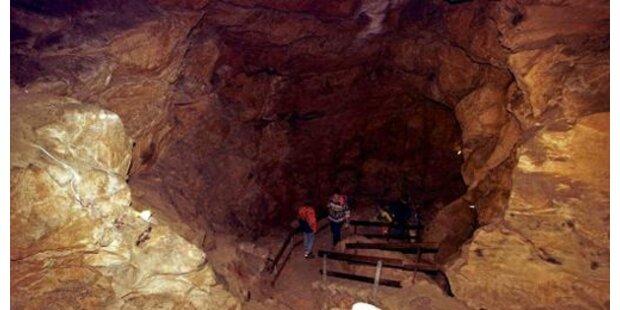 Übergewichtige steckte in Höhle fest