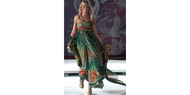 Supermodel Karolina Kurkova in Mexiko