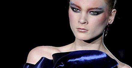Drama-Makeup, schrille Farben und Wetterfleck