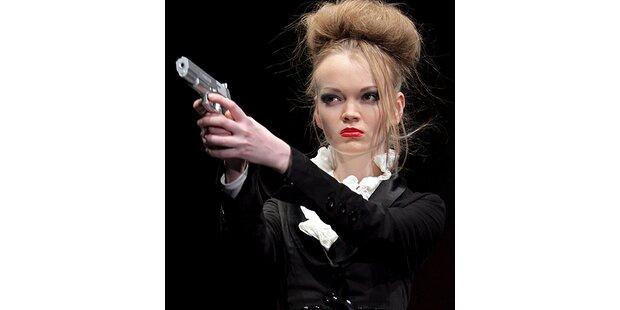 Schießwütige Models in Moskau