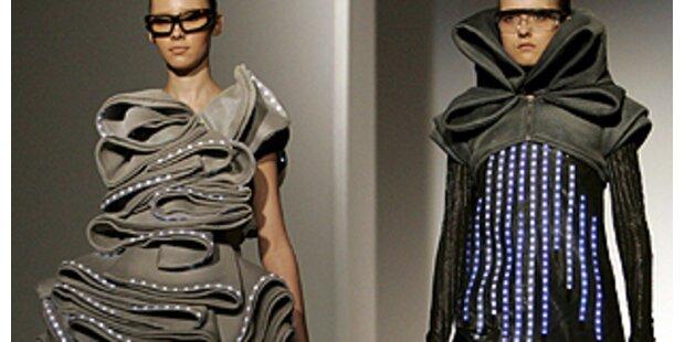 Jungdesigner brachten die Mode zum Glühen