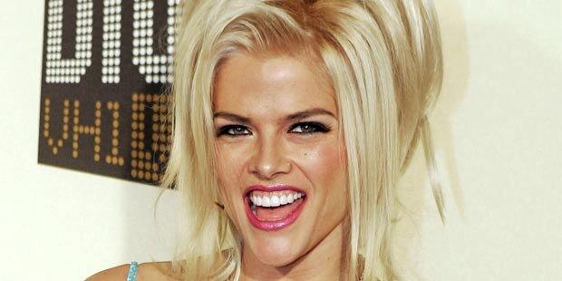 Anna Nicole Smith: Spritzen im Bad