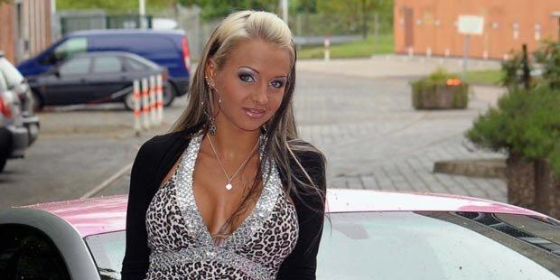 TV-Star Cora in rosa Sarg beigesetzt