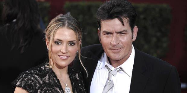 Charlie Sheen ist von Brooke geschieden