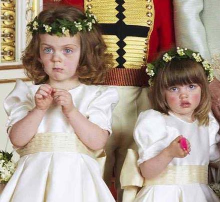 William und Kate - offizielles Hochzeitsfoto: Prinz Harry bestach Kinder mit Gummiwürmen