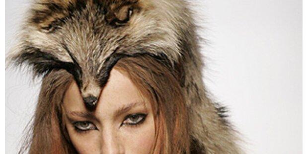 Paris: Gaultier erregt den Zorn von Pelzgegnern