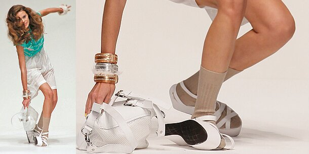 Model f llt bei london fashion week zu boden for Boden mode london