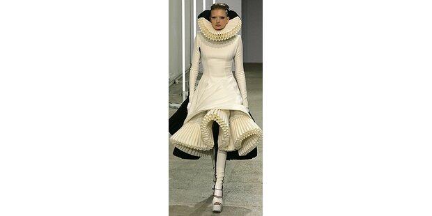 Gareth Pugh: Bühnenkostüme oder Fashion?