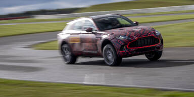 Aston Martin DBX jagt Porsche Cayenne & Co.