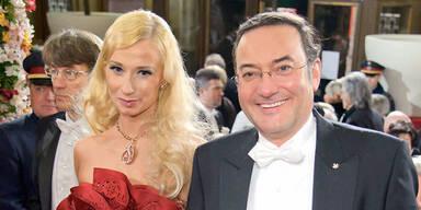 Karina Sarkissova & Heinz Stiastny beim Opernball 2012