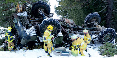 Deutscher Militär-Lkw stürzte in die Tiefe