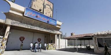 Rebellen stürmen Syriens größtes Gefängnis