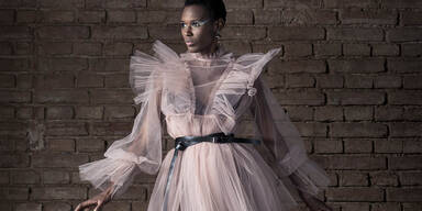 Aishat Gina by Markus Morianz for MQVFW20