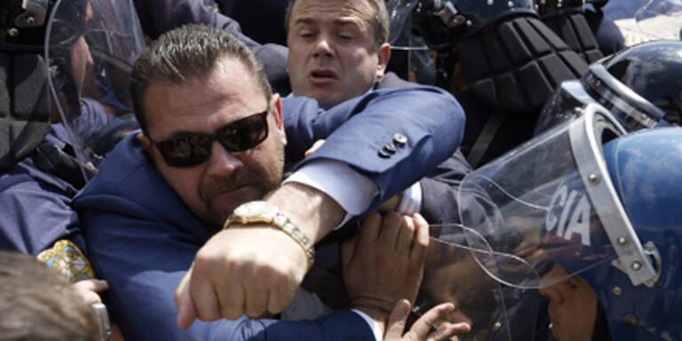 Gewalt und Streit um Wahlausgang