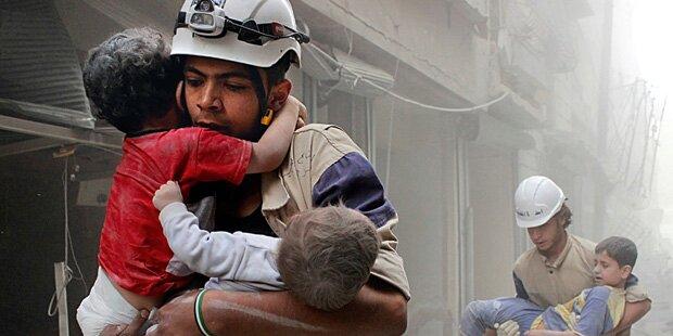 Tausende Rebellen und Familien werden evakuiert