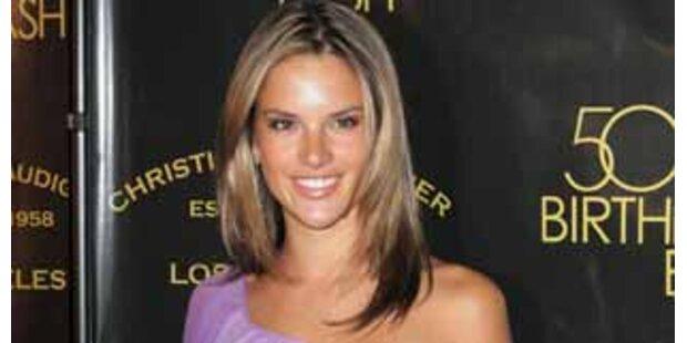 Topmodel Alessandra Ambrosio hat eine Tochter