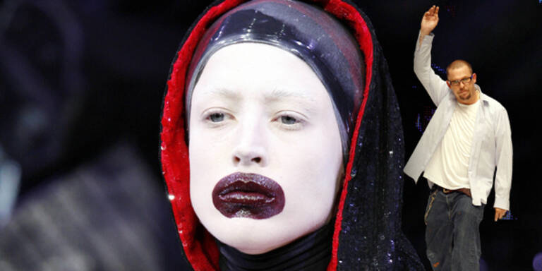 Alexander McQueen - London Fashion Week