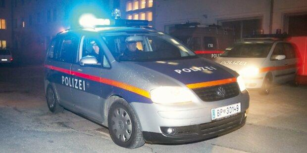 Mopedlenker verletzt Wiener Polizisten