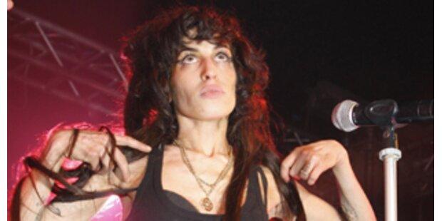 Amy: Selbstmorddrohungen und Angst um ihre Nase