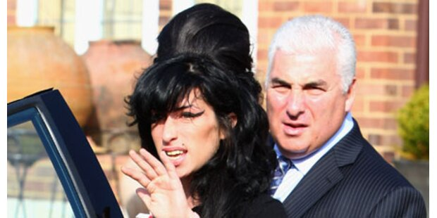 Amy Winehouse: Ihr Haarturm fing Feuer