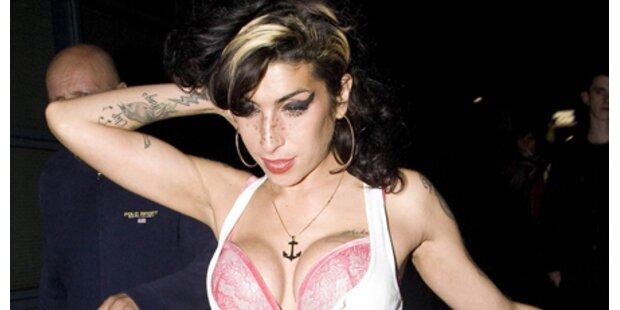 Zweite OP: Amy will noch größere Brüste!