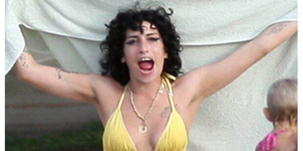 Jetzt will Amy ins Drogen-Paradies Jamaika