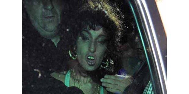 Das totale Elend: Amy nach Auftritt in Pub