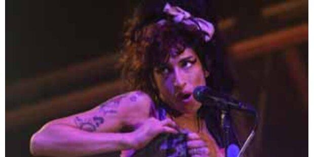 Amy Winehouses Zusammenbruch & Festival-Desaster