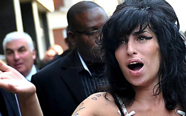 Amy Winehouse plant weitere Schönheits-OP