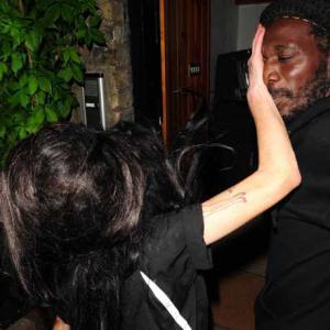 Amy Winehouse schlägt ihren Bodyguard