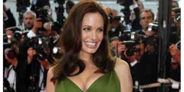 Angelina muss Jäger in ihren