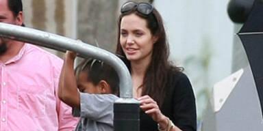 Angelina Jolie am Spielplatz