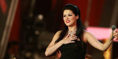 Anna Netrebko Oper Carmen Baby Tiago