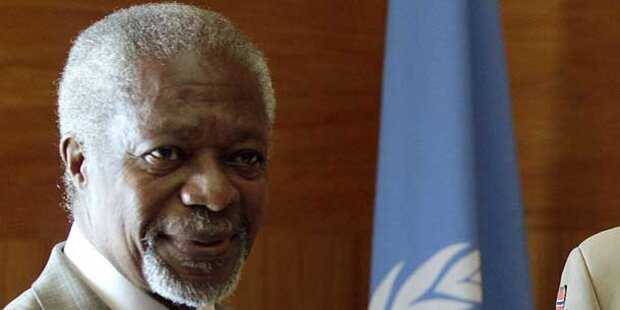 Annan schmeißt als UNO-Gesandter für Syrien hin