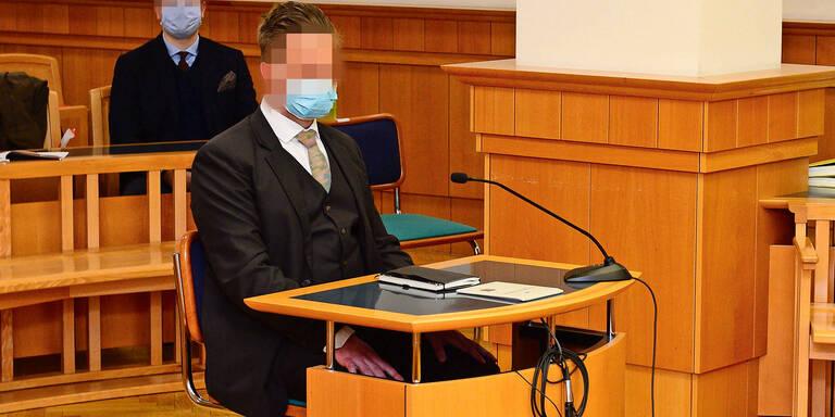 Anwalt flog im LSD-Rausch von Dach & starb: Kollege vor Gericht