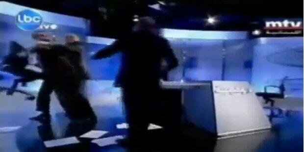 Wenn im TV-Studio   die Fetzen fliegen