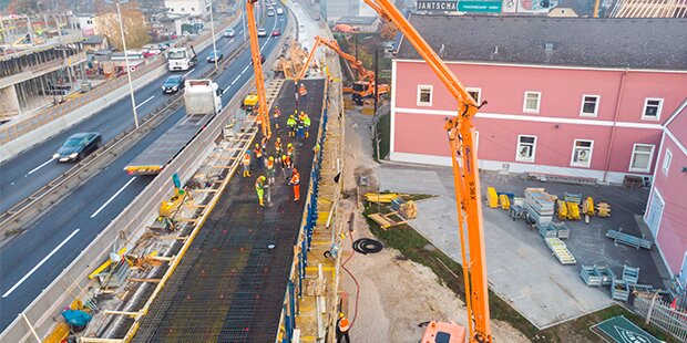 Baufortschritt bei Vöestbrücke im Plan