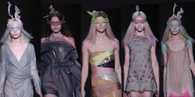 Artikel Valentino F/S 10 - Haute Couture