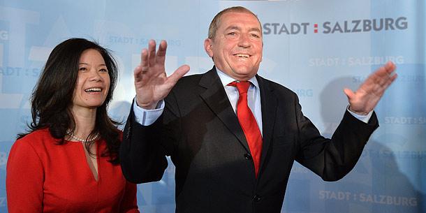 """Bürgermeister Heinz Schaden (r.) und seine Frau Jianzhen """"Jenny"""" Schaden"""