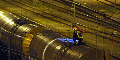 Hochspannung Oberleitung Unfall Eisenbahn Zug