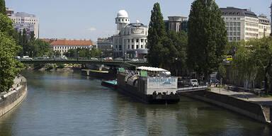 Donaukanal Wien Urania Badeschiff