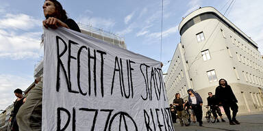 Pizzaria Anarchia Demonstration