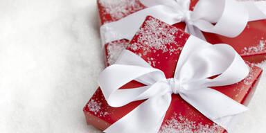 Geschenke im Schnee