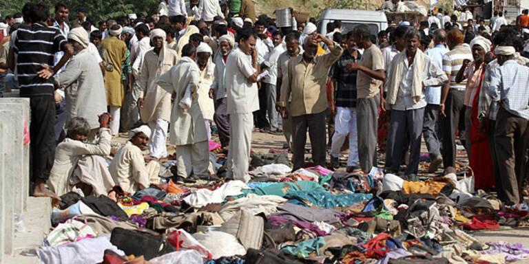 Massenpanik vor Tempel: 115 Tote