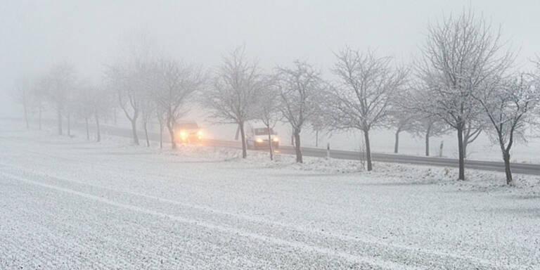 Schneefall sorgt für Verkehrsprobleme